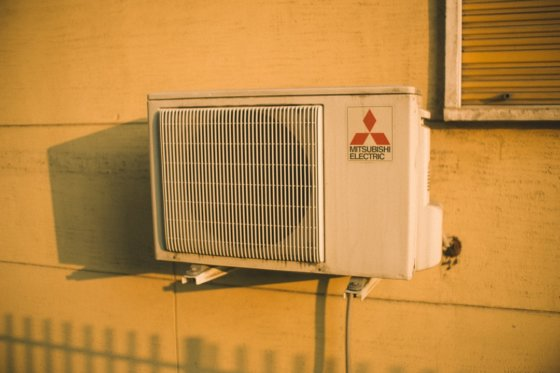Air Conditioner Repair vs Replacement: Which is Best?